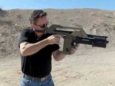 Lage Manufacturing MAX 41A Real Aliens Pulse Rifle - YouTube