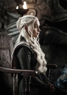 Can't wait to see this queen back at it with all the dracarys drama oof . I need season 8 rn