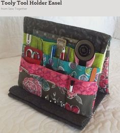 Tooly Tool Holder Easel by SewEasyQuilter | Sewing Pattern