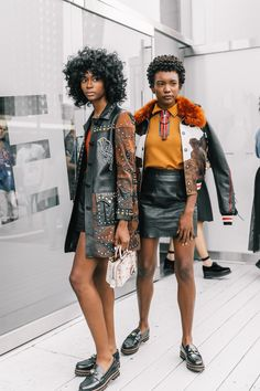 Learn About These Awesome new york fashion trends 6187 Looks Street Style, Model Street Style, Grunge Outfits, Fashion Outfits, Fashion Tips, Fashion Trends, Cheap Fashion, Work Fashion, Mens Fashion