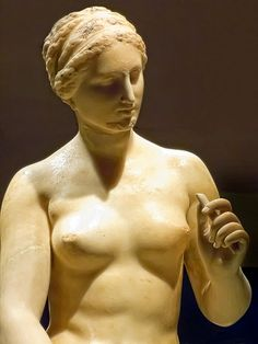 Closeup of Aphrodite Roman copy of 4th century BCE original by Praxiteles from Ostia, Italy (2)