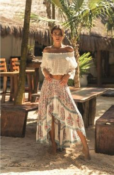 Affordable Boho Fashion Styles Ideas for Spring and Summer - . - Affordable Boho Fashion Styles Ideas for Spring and Summer – - Look Hippie Chic, Looks Hippie, Gypsy Style, Boho Gypsy, Hippie Boho, Hippie Chic Fashion, Bohemian Style Clothing, Bohemian Clothing, Style Clothes