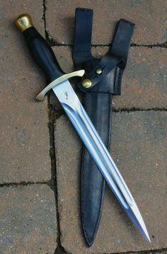 Survival Weapons, Survival Knife, Survival Gear, Wilderness Survival, Survival Prepping, Tactical Survival, Cool Knives, Knives And Tools, Knives And Swords