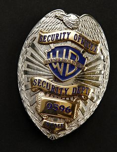 Looney Tunes: Back in Action Warner Bros. Security Badge, Security Guard, Police Uniforms, Police Badges, Deadpool Fan Art, Fire Badge, Warner Bros Studios, Police Patches, Movie Props