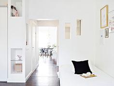 SMALL & STYLISH APARTMENT IN GOTEBORG   Lili Halo Decoration - chic & minimal