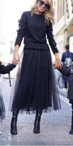 Black chiffon skirt and tee. Black chiffon skirt and tee. Mode Outfits, Skirt Outfits, Fashion Outfits, Black Tulle Skirt Outfit, Dress Fashion, Black Tulle Skirts, Autumn Skirt Outfit, Autumn Dresses, Black Tutu