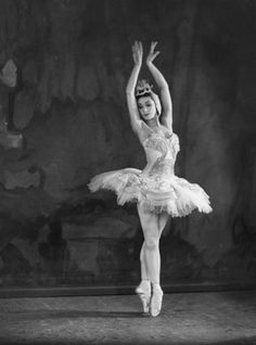 Margot Fonteyn in Swan Lake, Sadlers Wells Ballet company, black and white photograph, about 1945