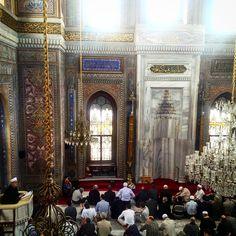Friday Prayer at Aksaray/Istanbul - TURKIYE #prayer #friday #travel #traveling #traveller #istanbul #turkey #mosque #wanderlust