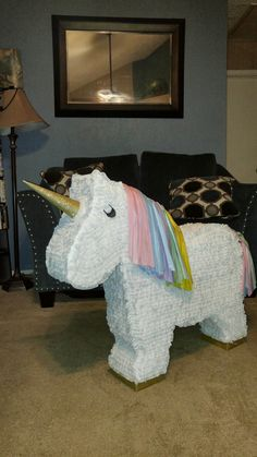 Unicorn piñata I made.