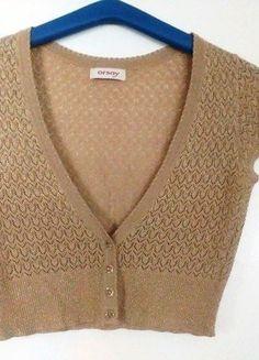 Kupuj mé předměty na #vinted http://www.vinted.cz/damske-obleceni/bolerka-and-vesty/14634779-zlate-bolerko-bolero-prehoz-xs-sm