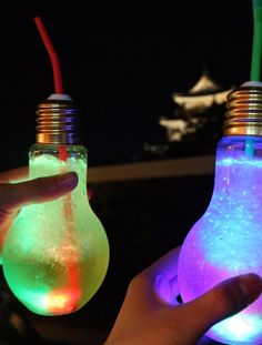 Trendy Light Bulb Drinks in Asia Actually Glow in the Dark, and We're Obsessed - alien party - 13th Birthday Parties, Birthday Party For Teens, 14th Birthday, Sweet 16 Birthday, Neon Birthday Cakes, Birthday Wishes, Birthday Gifts, Sommer Pool Party, Glow In Dark Party
