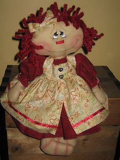 PRIMITIVE HC VALENTINES DAY RAGGEDY ANN DOLL SHELF SITTER IN PINAFORE