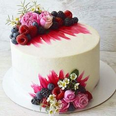 Cake Decoration ideas Inspiration & Instruction to Improve Your Cake Designs How to Ice a Cake is a supportive community of cake decorating enthusiasts. Fancy Cakes, Mini Cakes, Cupcake Cakes, Baking Cupcakes, Cake Cookies, Pretty Cakes, Beautiful Cakes, Amazing Cakes, Decoration Patisserie