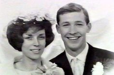 Alex Ferguson football manager with wife Cathy on wedding day Sir Alex Ferguson, Manchester United Football, Football Team, No Time For Me, Wedding Day, Celebs, Devil, Faces, Lovers