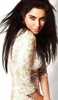 Cute Beauty, Strike A Pose, India Beauty, Photography Poses, Actresses, Lace, Beautiful, Women, Fashion