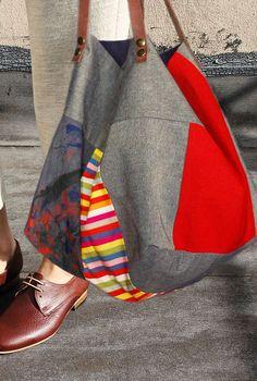 Risultati immagini per tutorial cabas reversibles Big Bags, Cute Bags, Large Bags, Patchwork Bags, Quilted Bag, Pochette Diy, Diy Bags Patterns, Diy Sac, Derby