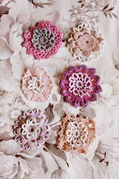 the linen garden: crochet palettes
