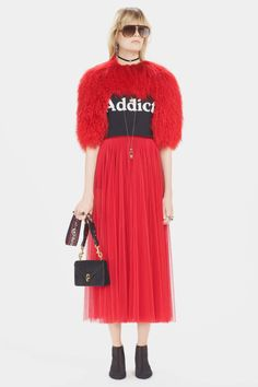 http://www.vogue.com/fashion-shows/pre-fall-2017/christian-dior/slideshow/collection