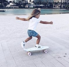 this girl will learn to ride a skateboard, then go on to bigger things like jumping down stairs and sliding down railings.this will probably be a future Olympic sport Cute Kids, Cute Babies, Baby Kids, Future Daughter, Future Baby, Girls Skate, Toddler Fashion, Kids Fashion, Little Ones