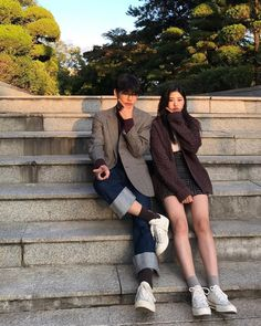 Brown Things brown color q es Couple Aesthetic, Korean Aesthetic, Ulzzang Couple, Ulzzang Girl, Cute Korean, Korean Girl, Korean Style, Couple Photography, Photography Poses