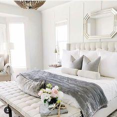 Minimalist But Beautiful White Bedroom Design Ideas 55 Contemporary Bedroom, Modern Bedroom, Master Bedroom, Contemporary Kitchens, Bedroom Vintage, White Bedroom Design, Bedroom Designs, White Grey Bedrooms, Home Interior