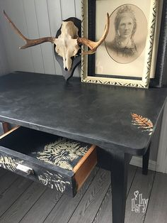 Painted table in Chalk Paint from Annie Sloan Country Farmhouse, Annie Sloan, Country Style, Chalk Paint, Norway, Diy Furniture, Entryway Tables, Dining Table, Painting