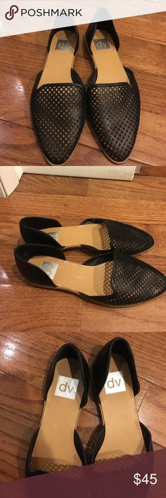 Dv flats Never been worn DV flats DV by Dolce Vita Shoes Flats & Loafers