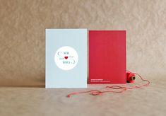Zur Hochzeit gratuliert Bernadette elegant gestreift. Die außergewöhnliche Farbkombination verleiht der schlichten Karte eine besondere Feinheit und Festlichkeit. Mr Mrs, Emblem, Congratulations Card, Lettering, Wedding Cards, Envelope, Greeting Cards, Stripes, Feelings