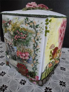 A beautiful box. Click on the image to enlarge. Enjoy your Monday ♥