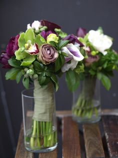 Green and Purple Wedding Bouquets | Purple and green wedding bouquets