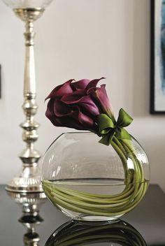 Glasvasen-Deko-deko-vase-blumenvase-lila-Blumen-interessante-Position