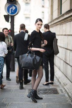 All black. Great handbag.