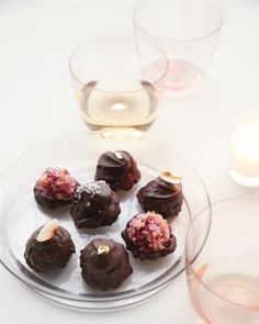 Passover Desserts // Raspberry Macaroons in Chocolate Shells Recipe