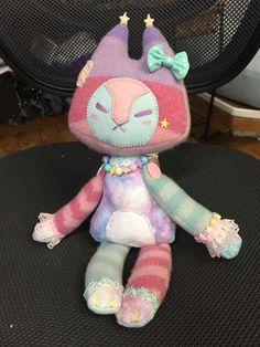 A sweater fox commission complete 💖💕 - Lithe-Fider Creatures Kawaii Plush, Cute Plush, Plushie Patterns, Cute Stuffed Animals, Creepy Cute, Cute Toys, Plush Dolls, Clowns, Plushies