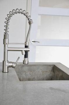 armatur spülbeckenarmaturen kücheninsel beton küchenarbeitsfläche holz
