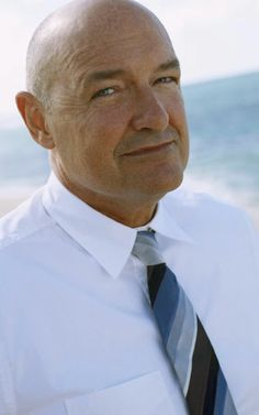 """Terry O'Quinn as John Locke on """"Lost"""" I Feel Lost, Feeling Lost, Actors Male, Actors & Actresses, Sci Fi Series, Tv Series, Charlie Pace, Michael Dawson, Serie Lost"""