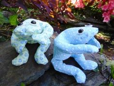 how to make a beanbag frog