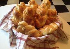 Domácí houstičky ze sušeného droždí Recepty.cz - On-line kuchařka Dumplings, Quiche, Muffin, Toast, Food And Drink, Pizza, Sweets, Bread, Baking