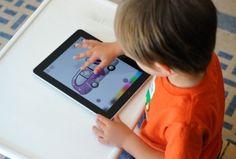 Aprendre anglès tot jugant amb l'iPad play with english