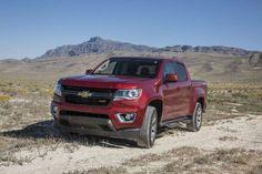 2015 Chevrolet Colorado Z71 front three quarters 03