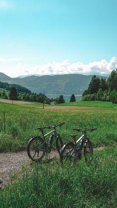 Radtour um den Millstätter See E-Motions Event in Millstatt auf VANILLAHOLICA.com . Das erste E Bike Fahrrad Festival in Kärnten, Österreich fand 2018 statt. Welche Aussteller da waren, welche Tagestrips mit dem Rad, und Fahrradurlaube du in Kärnten machen kannst erfährst du hier. Wie wäre es mit einem Weekendgetaway in Österreich, oder einem Tagesausflug an den See ? Hier findest du mehr Reise Infos und Tipps. E Motion, Travel Inspiration, Mountains, Awesome, Nature, Latin America, Day Trips, Travel Pictures, Vacation Travel