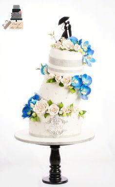 Topsyturvy Turvy cake with flowers