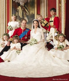 Kate Middleton's Wedding Dress designed by Sarah Burton (Alexander McQueen) | Wedding Inspirasi