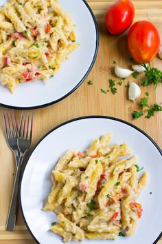 Garlic and Herb Penne Pasta Recipe ~ Quick, Easy, Delicious Pasta Dinner Ready in 20 Minutes! Loaded with Garlic, Tomato and Cheese! ~ http://www.julieseatsandtreats.com