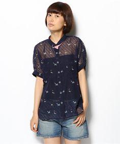 POUDOUDOU(プードゥドゥ)のドビーシフォンにゃんこプリントシャツ(シャツ・ブラウス)|ネイビー