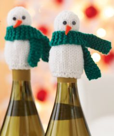 This link is to a knitted topper but keep for idea to convert to crochet Christmas Makes, Christmas Items, Diy Christmas Ornaments, Christmas Projects, Holiday Crafts, Xmas, Christmas Knitting Patterns, Crochet Christmas, Crochet Snowman