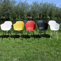 Indy tuinstoel geel - zwart frame Outdoor Chairs, Outdoor Furniture, Outdoor Decor, Home Decor, Decoration Home, Room Decor, Garden Chairs, Home Interior Design, Backyard Furniture