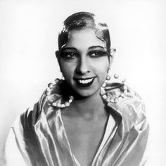 From Josephine Baker to Hazel Scott and Ethel Waters, keep scrolling to gawk over vintage beauty crushes! Josephine Baker, Vintage Black Glamour, Vintage Beauty, Vintage Style, Renaissance Hairstyles, Beauty Crush, Hair Icon, Harlem Renaissance, Female Actresses