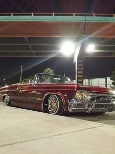 Yahh bebe Bugatti, Lamborghini, Ferrari, 65 Chevy Impala, Chevrolet Chevelle, Lowrider Model Cars, Donk Cars, Pretty Cars, Old School Cars