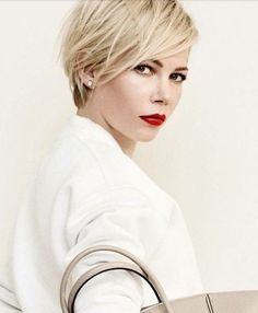 New Hair Cuts Long Pixie Michelle Williams 44 Ideas Short Hair With Layers, Short Hair Cuts For Women, Short Hair Styles, Pixie Cut With Bangs, Short Hairstyles 2015, Short Haircuts, Asymmetrical Hairstyles, Wedding Hairstyles, Bouffant Hairstyles